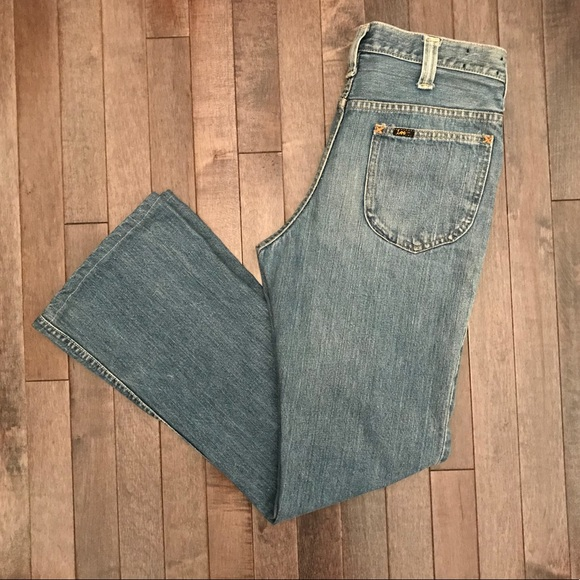 Lee Denim - Groovy vintage Lee mid rise flare jeans!!